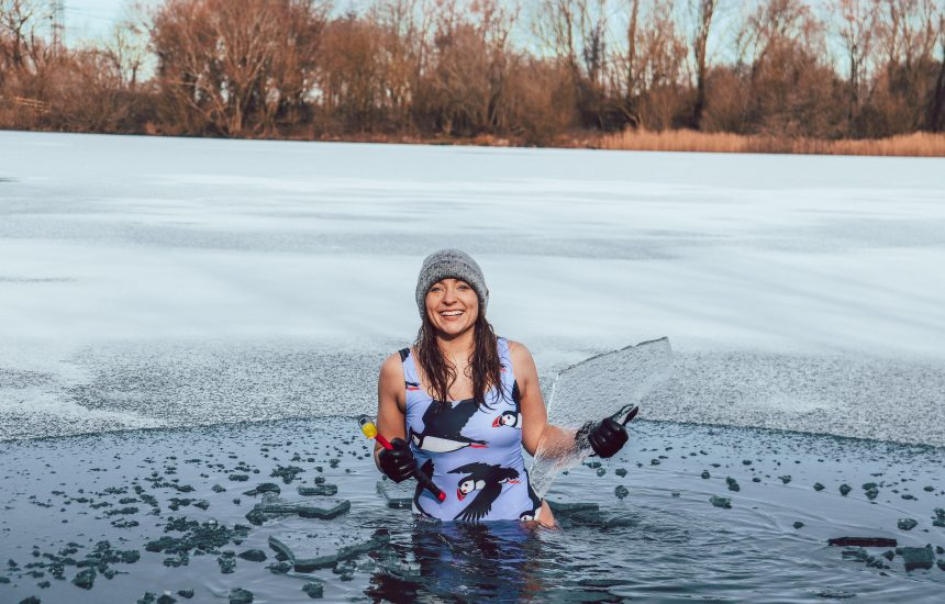 What is ice swimming really like?